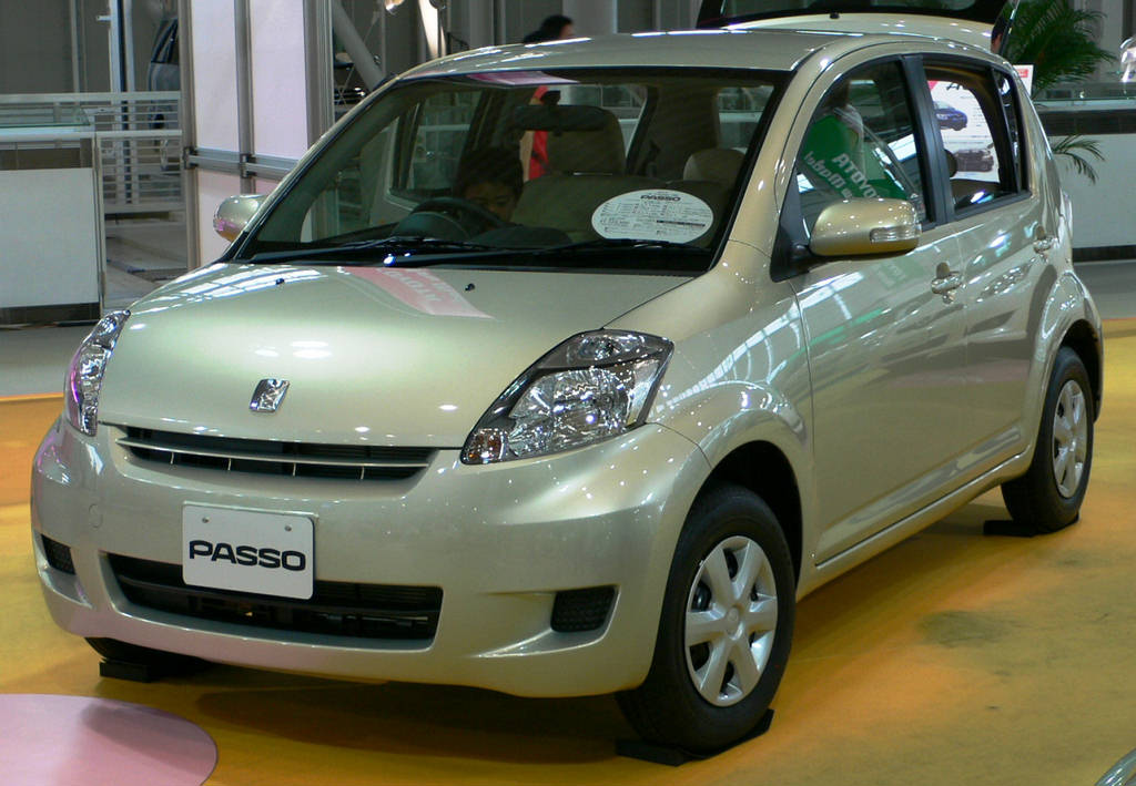 Toyota Passo front side