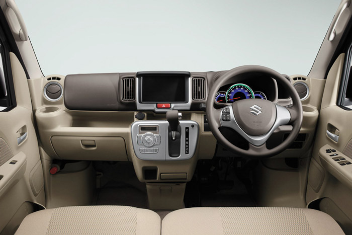 Suzuki-Every-Wagon-Interior