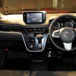 daihatsu-move-car-interior