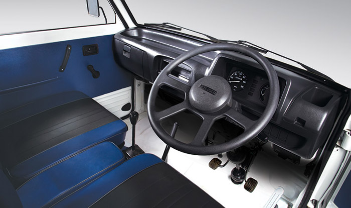 Suzuki-Ravi-Interior
